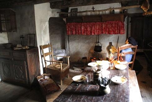 Gissac (Aveyron) Maison rurale