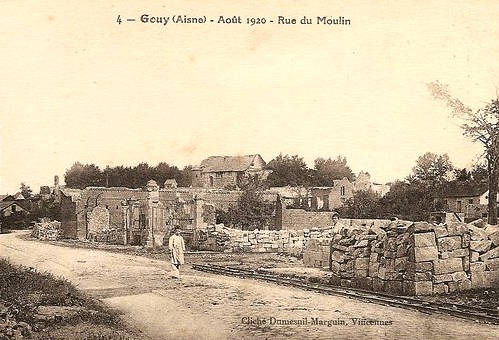 Gouy (Aisne) CPA rue du moulin en 1920