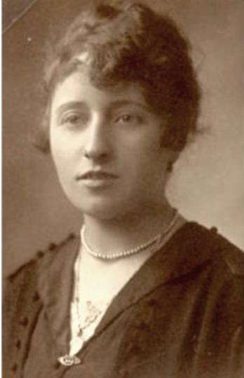 Guth Germaine Blanche (1893/1966), épouse Jules Bourrié,  en 1918