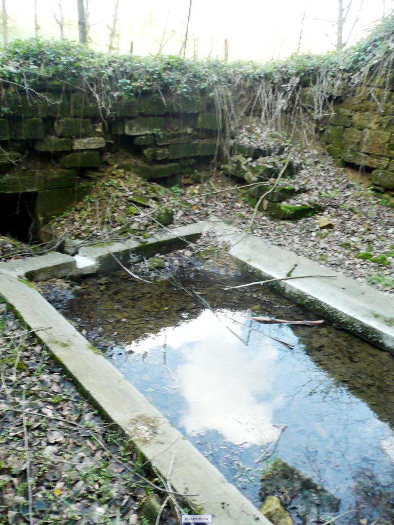 Han-lès-Juvigny (Meuse) Le lavoir