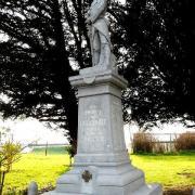 Haucourt en cambresis le monument aux morts