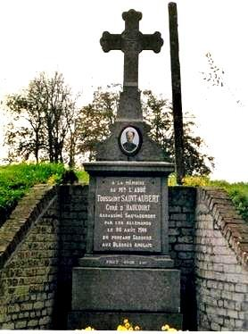 Haucourt en cambresis le monument en memoire du cure de saint aubert