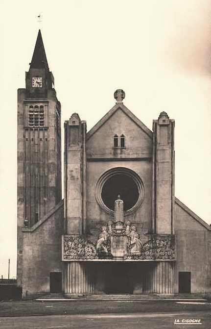 Hirson (Aisne) CPA l'église Sainte-Thérèse-de-l'enfant-Jésus