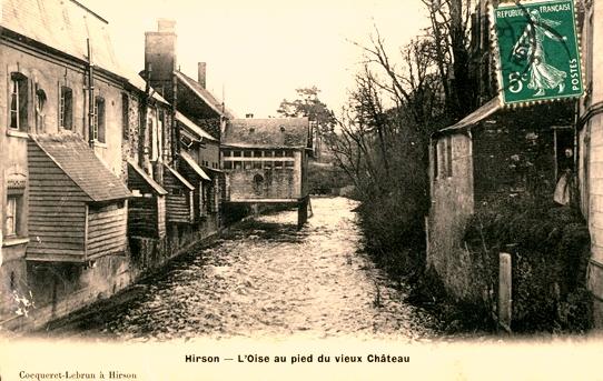 Hirson (Aisne) CPA l'Oise au pied du vieux château