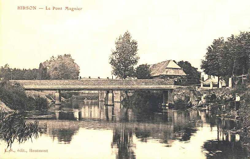 Hirson (Aisne) CPA le pont Magnier