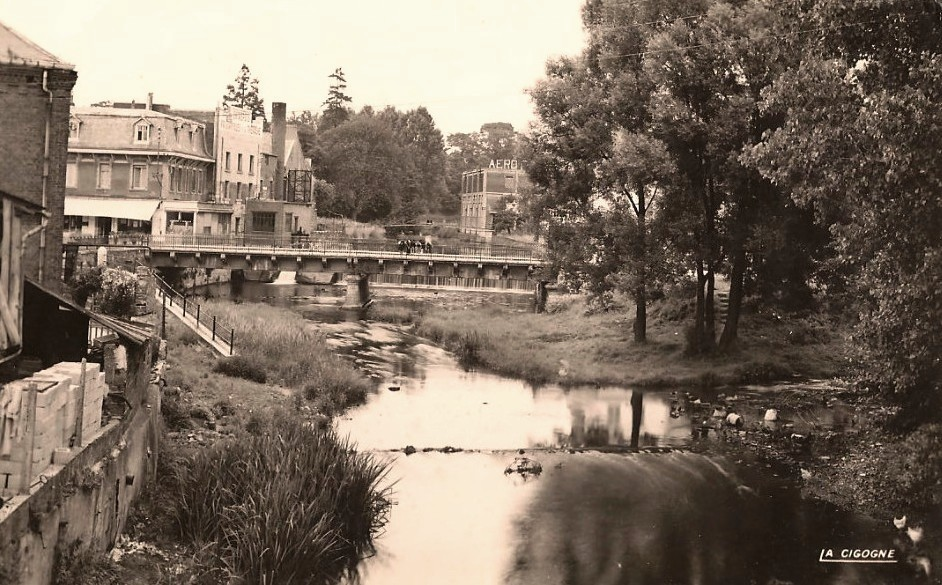 Hirson (Aisne) CPA les ponts vers 1950