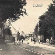 Hirson (Aisne) CPA la rue de Guise