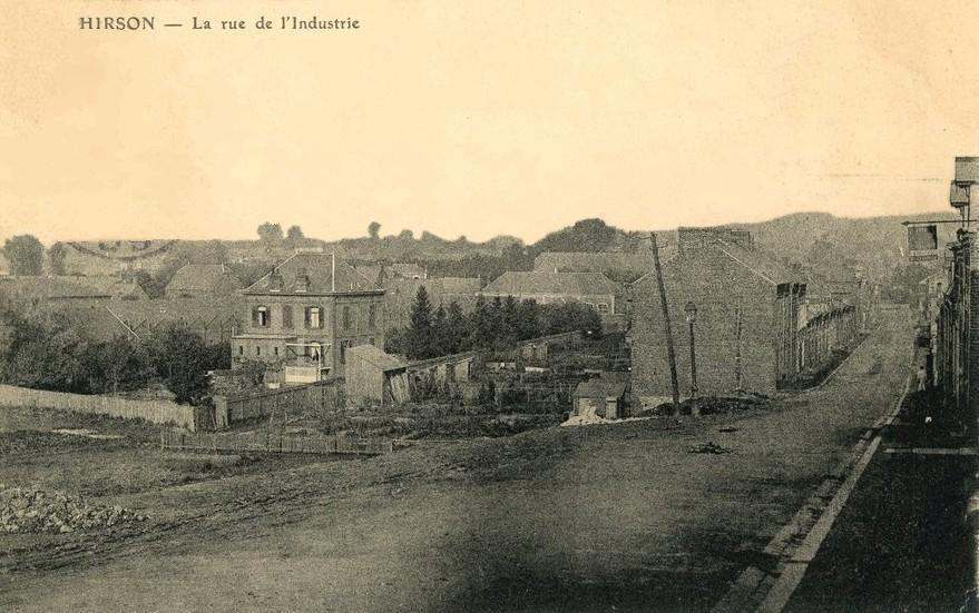 Hirson (Aisne) CPA la rue de l'industrie