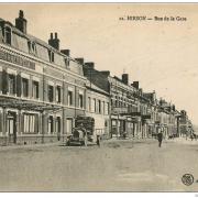 Hirson (Aisne) CPA la rue de la gare