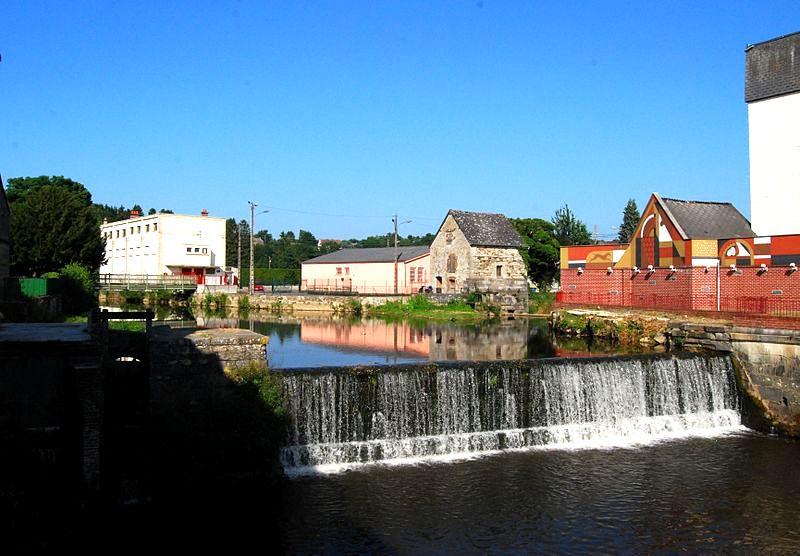 Hirson (Aisne) le moulin sur le Gland