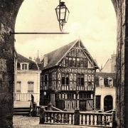 Joigny (89) La maison du Bailli CPA