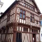 Joigny (89) La maison du Bailli