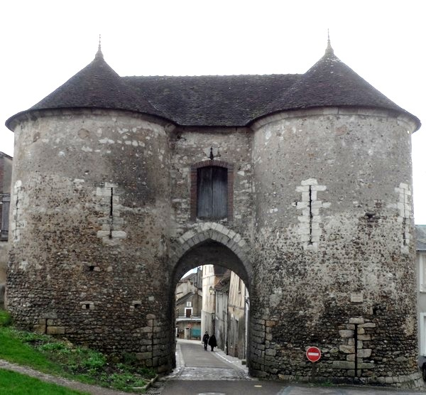 Joigny (89) La porte du Bois