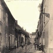 Joigny (89) La rue des Moines CPA