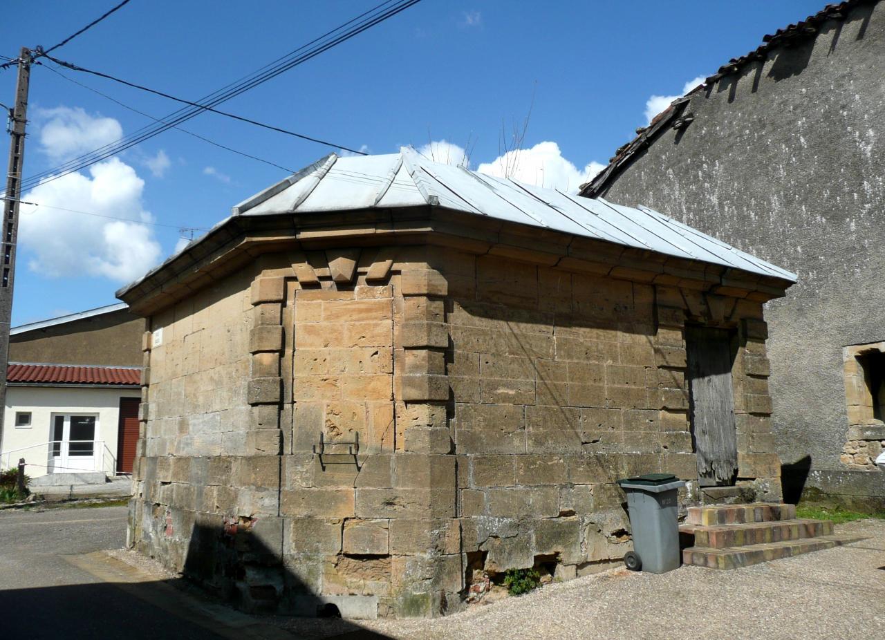 Juvigny-sur-Loison (Meuse) Un lavoir
