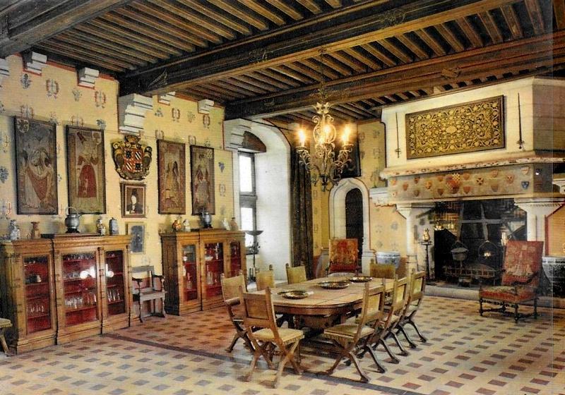 La Rochepot (Côte d'Or) Le château, salle à manger CPA
