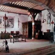 La Rochepot (Côte d'Or) Le château, salle des gardes CPA