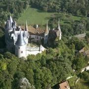 La Rochepot (Côte d'Or) Le château, vue aérienne