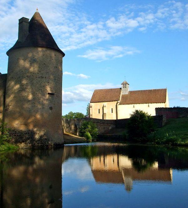 Limanton (Nièvre) Anizy, la tour et la chapelle Saint-Martin