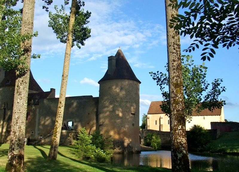 Limanton (Nièvre) Anizy, le château
