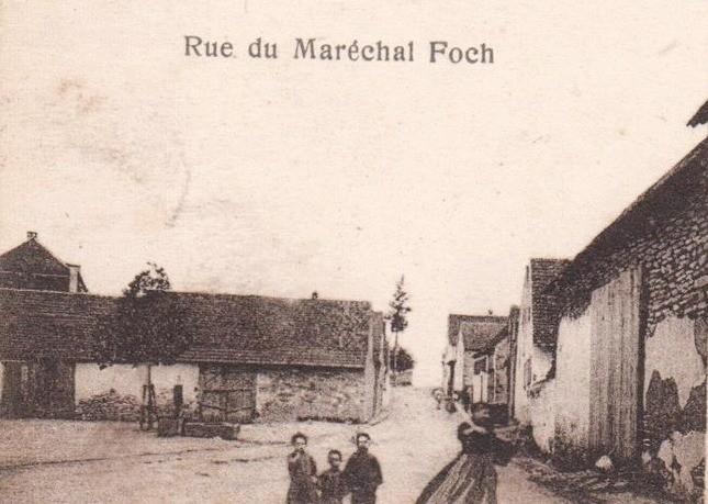 Lochwiller 67 la rue du ml foch cpa
