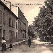 Lodève (Hérault) L'avenue de la République en 1909 CPA
