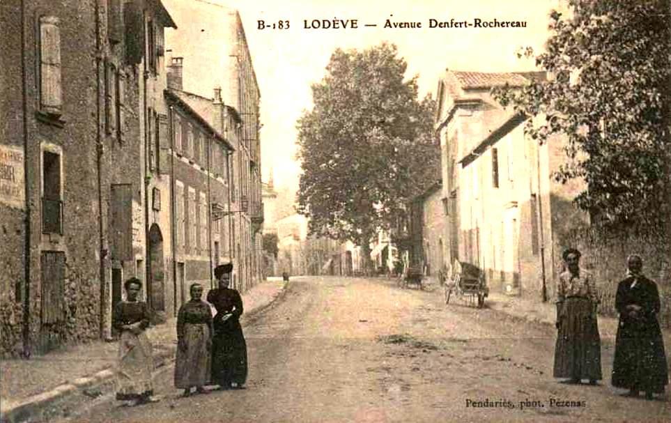 Lodève (Hérault) L'avenue Denfert CPA