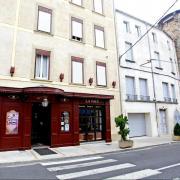 Lodève (Hérault) L'Hôtel de la Paix