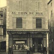 Lodève (Hérault) La boutique au coin de rues CPA