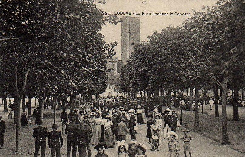 Lodève (Hérault) Le parc, un concert CPA