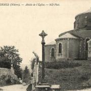 Lormes (Nièvre) L'église Saint-Alban, l'abside CPA
