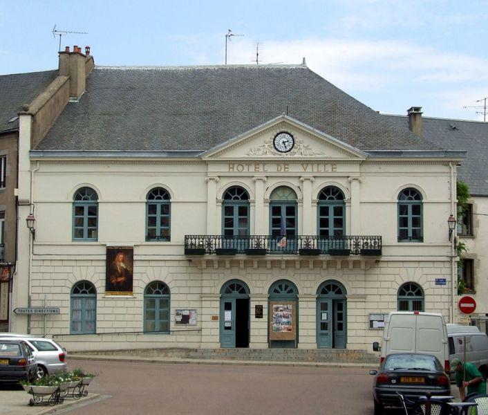 Lormes (Nièvre) L'Hôtel de Ville