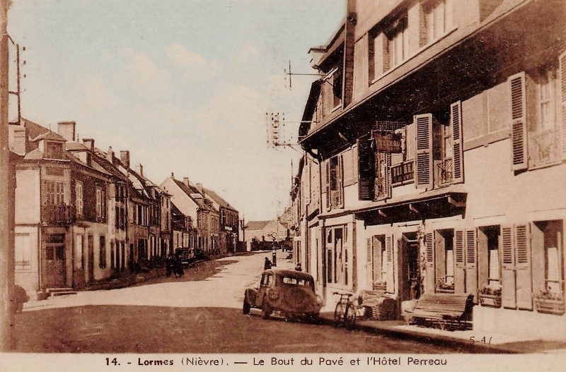Lormes (Nièvre) Le bout du pavé CPA