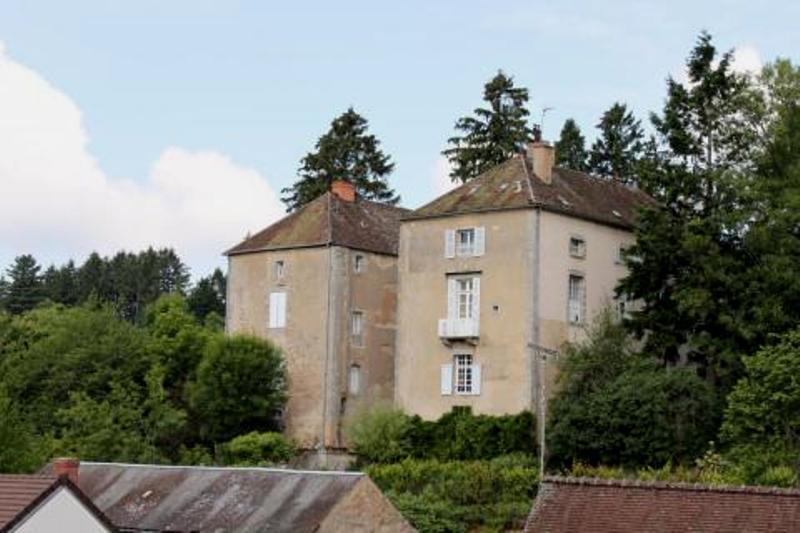Lormes (Nièvre) Le château de Lormes-Chalons
