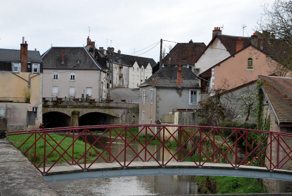 Luzy (Nièvre) L'Alène