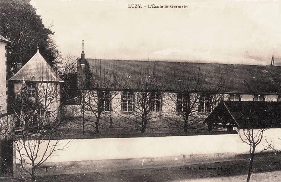 Luzy (Nièvre) L'école Saint-Germain CPA