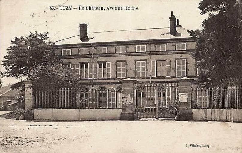 Luzy (Nièvre) Le château avenue Hoche CPA