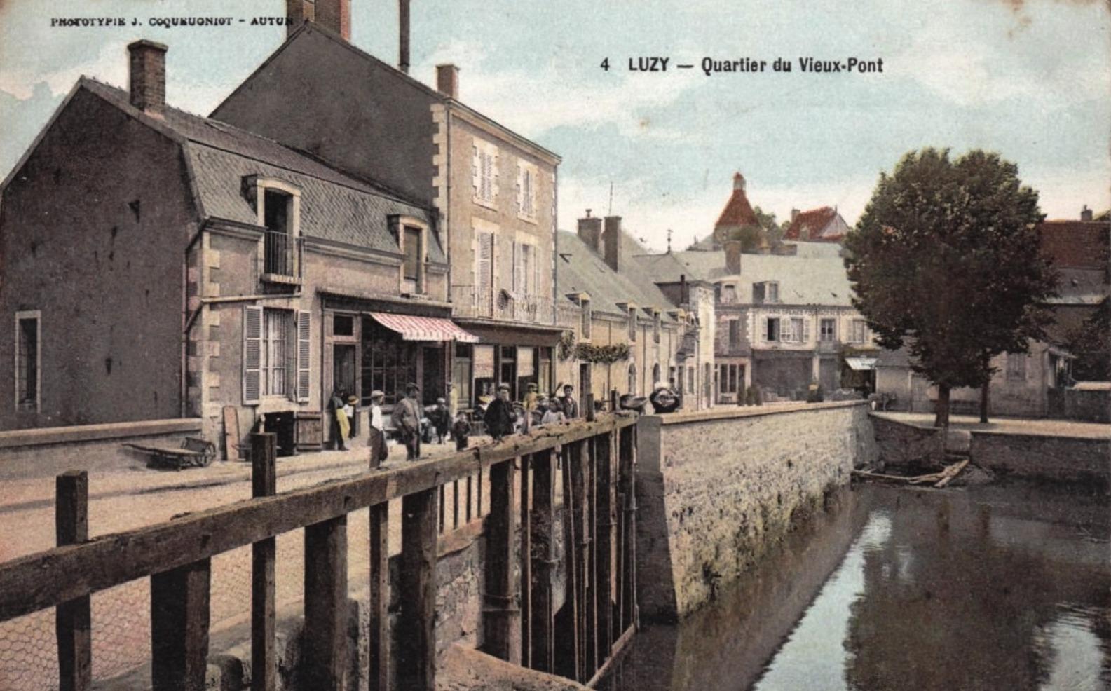 Luzy (Nièvre) Quartier du vieux pont CPA