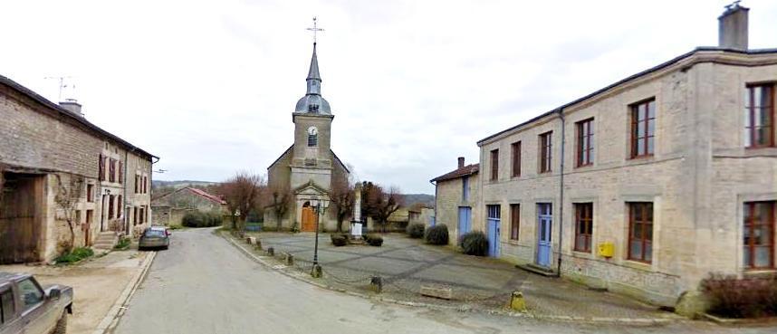 Luzy-Saint-Martin (Meuse) L'église et la mairie