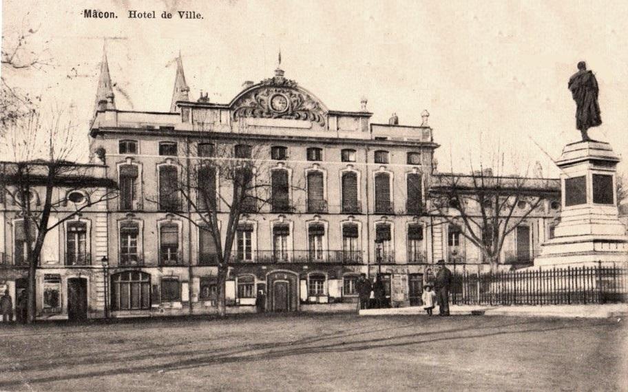 Mâcon (71) Hôtel de Ville, hôtel particulier de Montrevel CPA