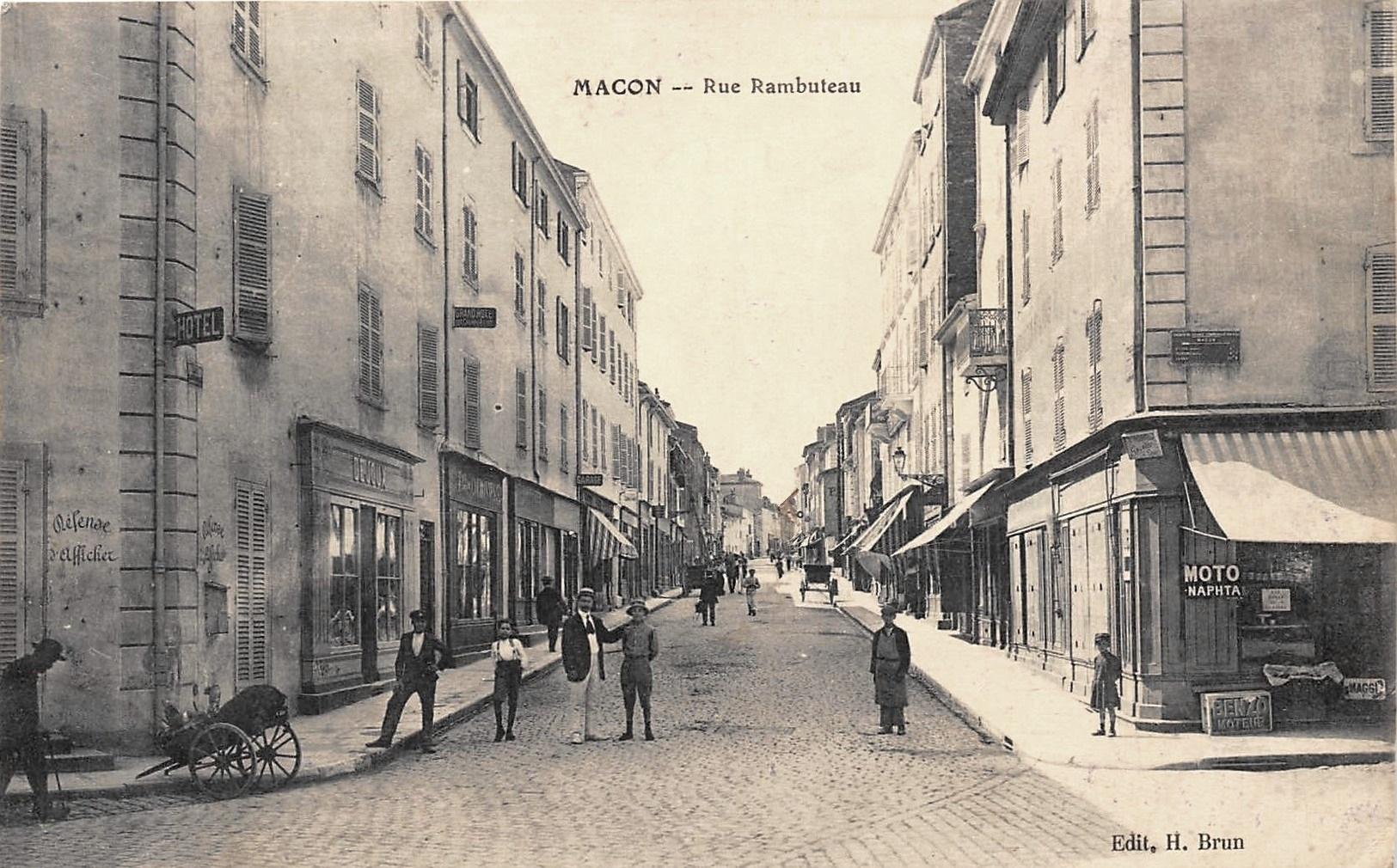 Mâcon (71) Rue Rambuteau CPA