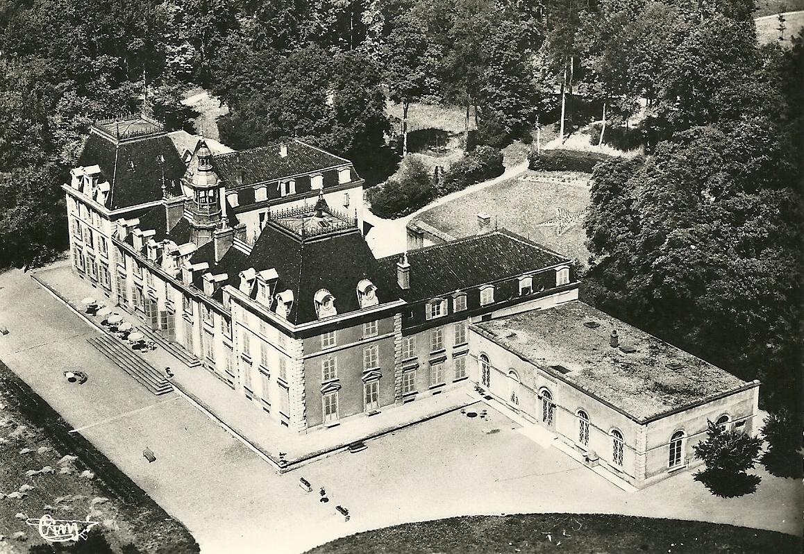 Mâcon (71) Saint-Jean-Le-Priche, château Saint-Jean CPA