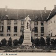 Marcigny (71) Monument aux morts CPA