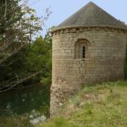 Marnhagues-et-Latour (Aveyron) Saint-Amans, chapelle romane