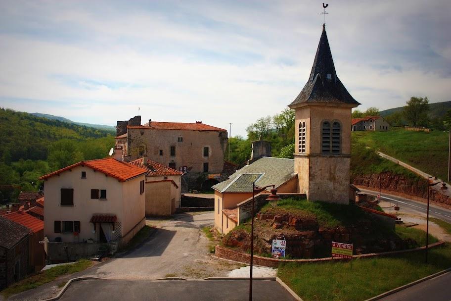 Marnhagues-et-Latour (Aveyron) Marnhagues, église Saint-Armand