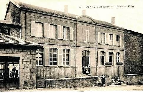 Marville (Meuse) L'école des filles CPA