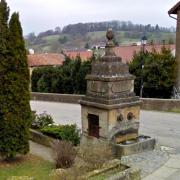 Marville (Meuse) La grande fontaine