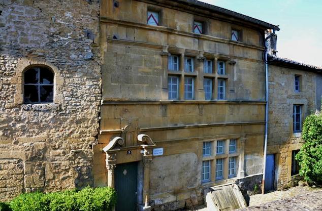 Marville (Meuse) La maison Renaissance, rue du Tripot