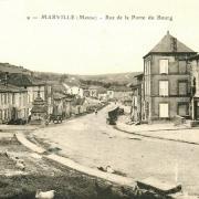 Marville (Meuse) La rue de la porte du bourg CPA