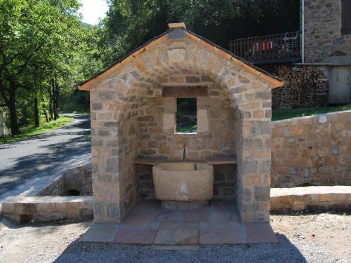 Mélagues (Aveyron) Labiras
